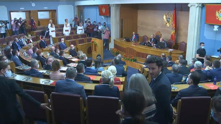 ДФ и УРА: Бечић предсједник Скупштине, Кривокапић мандатар