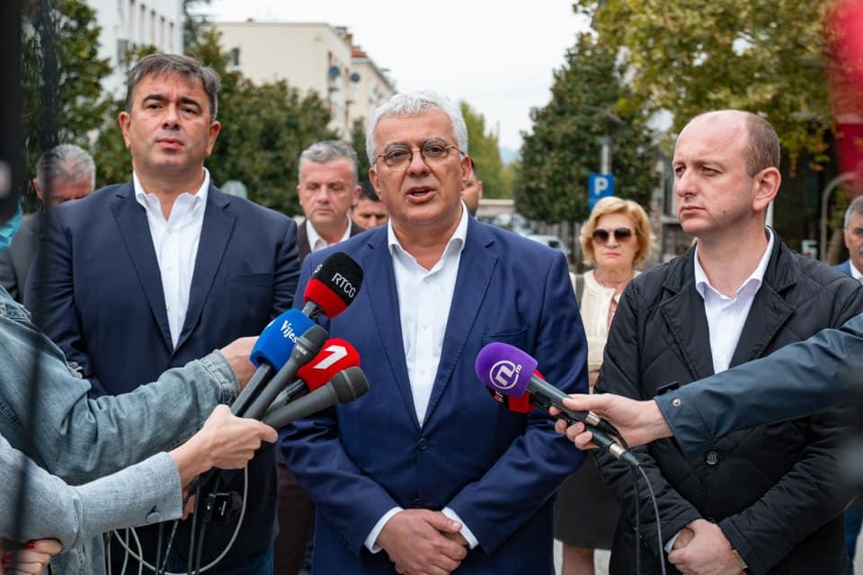 Мандић: Нећу дозволити да тајкуни украду народну вољу и састављају владу