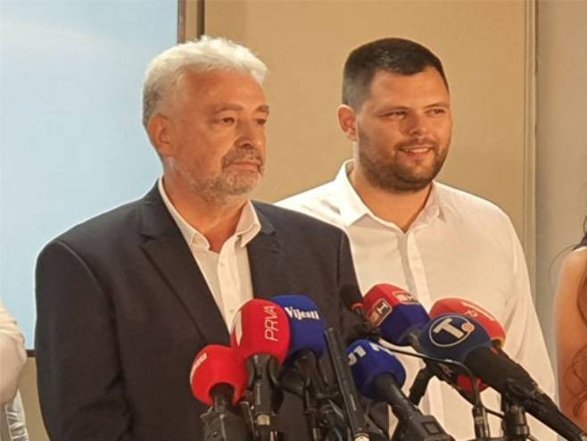 Кривокапић: У новој влади неће бити нико са посланичких листа
