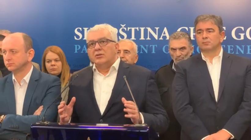 Мандић: Изазвана криза парламентарне већине