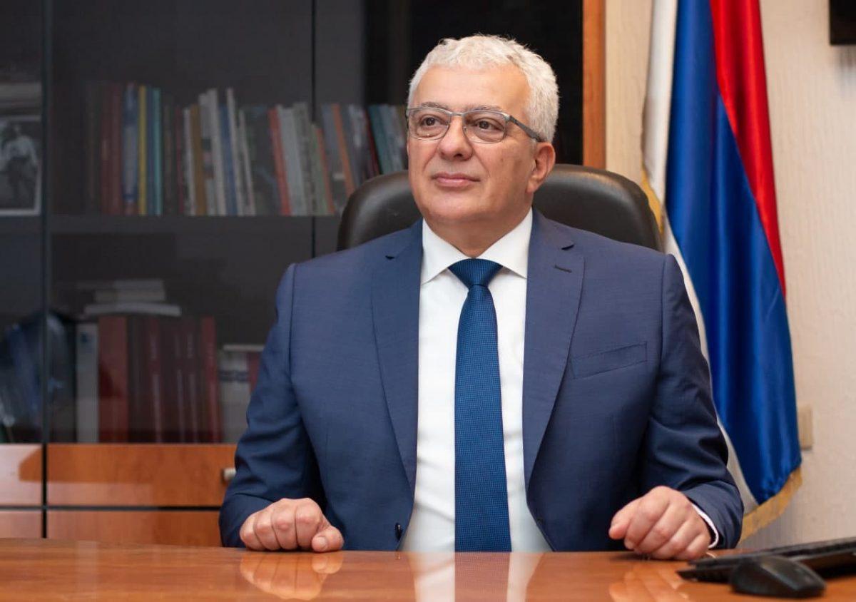 Мандић: Ако убрзо не отпочне масовна вакцинација, гарантујем да ћемо добити велики број вакцина из Србије