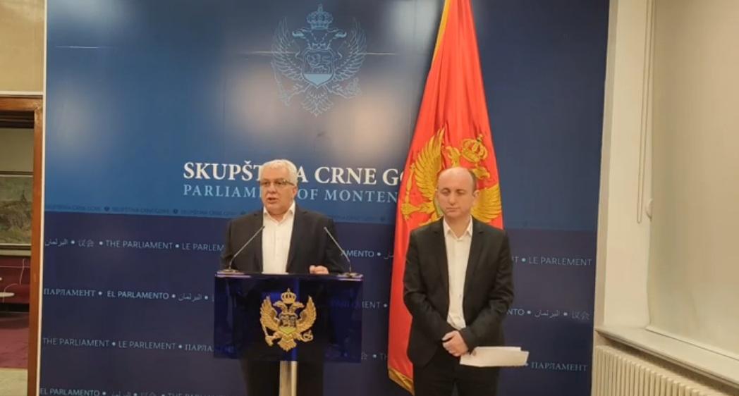 Мандић: Нема разлога да нас било ко заустзавља и прави протекторат од Црне Горе