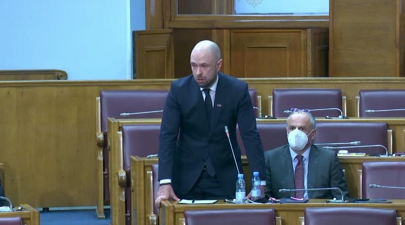 Остаје на снази одлука о протјеривању амбасадора Србије Владимира Божовића