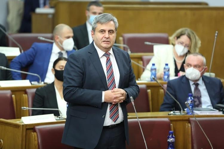 Радуновић: Док је клуба посланика ДФ-а, Лепосавић неће бити смијењен због ставова које дијели сваки Србин у Црној Гори