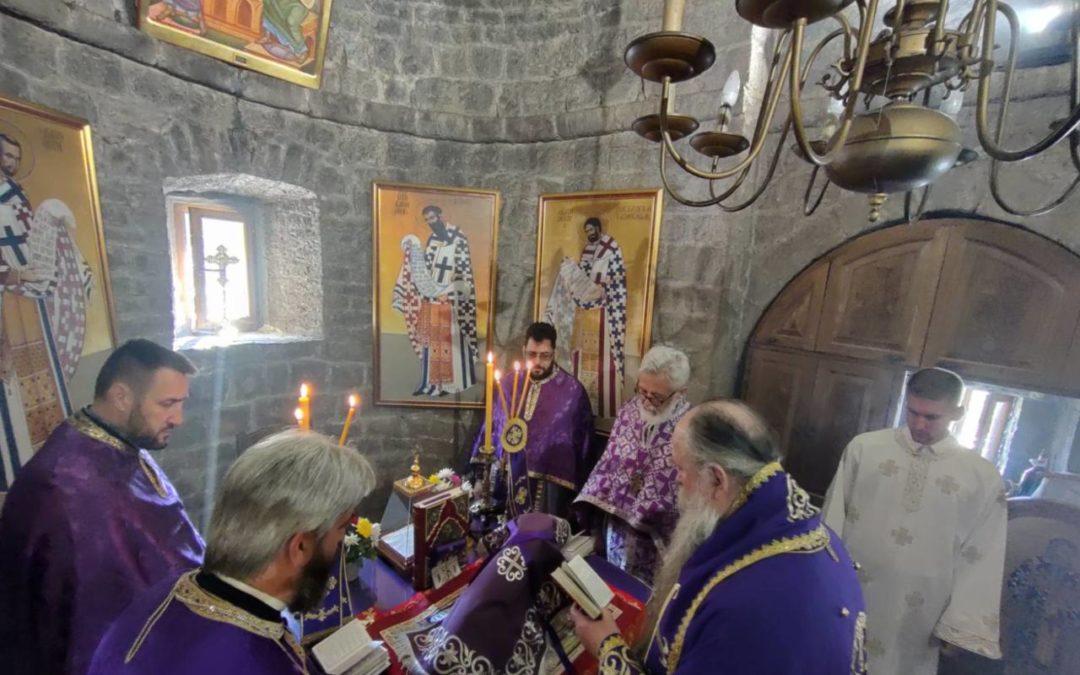 Vladika Joanikije: Opet ćemo se boriti za svoja prava ukoliko sloboda vjere bude ugrožena