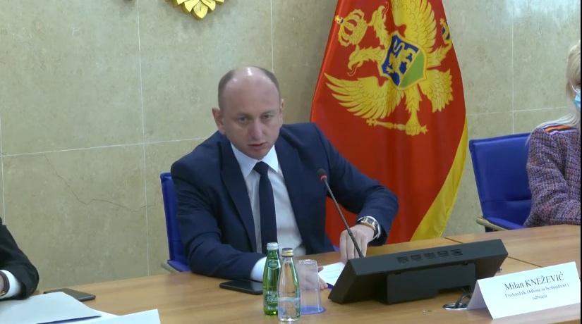 Кнежевић позвао Кривокапића да без одлагања потпише темељни уговор са СПЦ