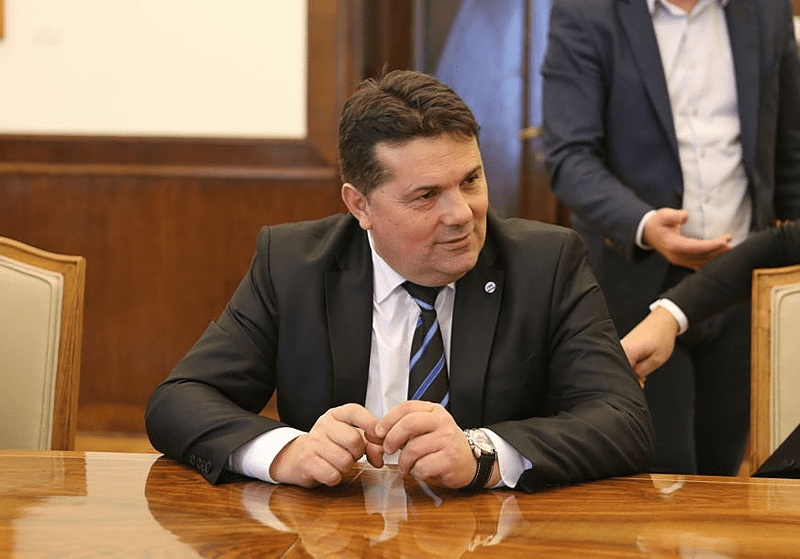 Стевандић захтјева извињење високог представника и ПИК-а