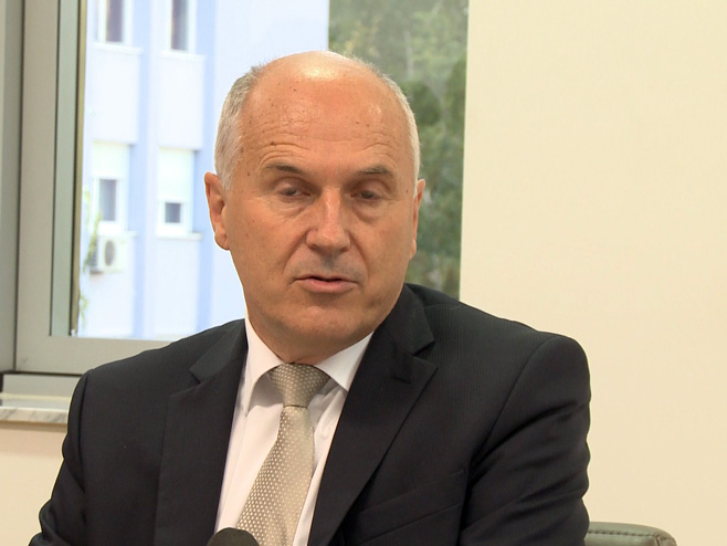 Валентин Инцко поднео оставку, Кристијан Шмит нови високи представник у БиХ