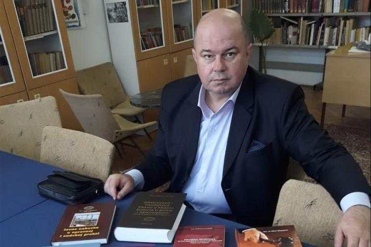 Отворено писмо амбасадорима Kалабухову и Ђи Пингу