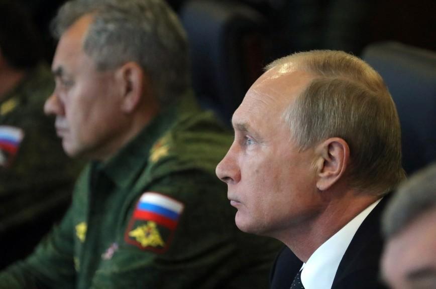 Путин: Важно осигурати технолошку независност перспективних војних комплекса