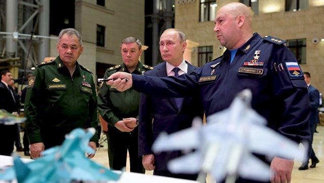 Путин: Морамо да обезбедимо лидерску позицију у војно-техничкој области