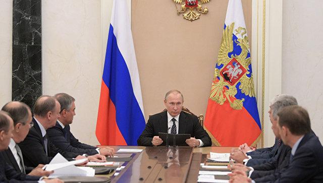 Путин разматрао сируацију у Сирији и Украјини са члановима Савета безбедности Русије