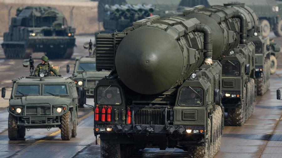 РТ: Нећемо оклевати са одговором ако будемо нападнути нуклеарним оружјем - Путин