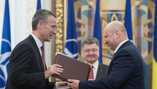 Lavrov: Nakon puča u Kijevu NATO naglo promenio priču i pozivao pučiste na upotrebu sile
