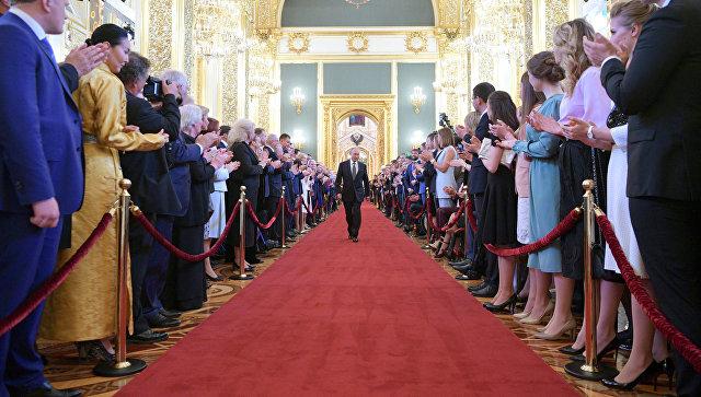 Руска влада поднела оставку након Путинове инаугурације