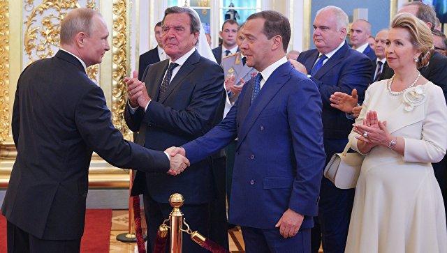 Путин предложио Медведева за премијера