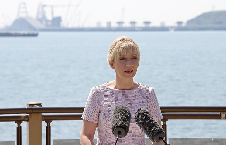 Захарова САД-у: Кримски мост може само да спречи пролаз Шестој флоти САД