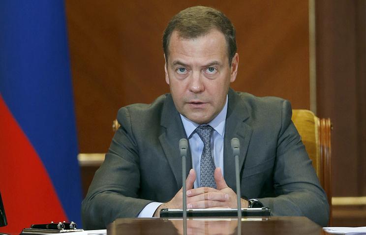 Медведев предложио да се размотри продужење контрасанкција за 2019.