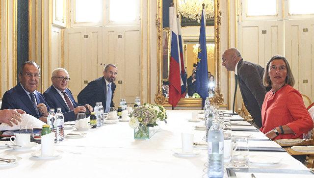 Лавров и Магеринијева разговарали о ситуацији у Сирији, Украјини и на Балкану
