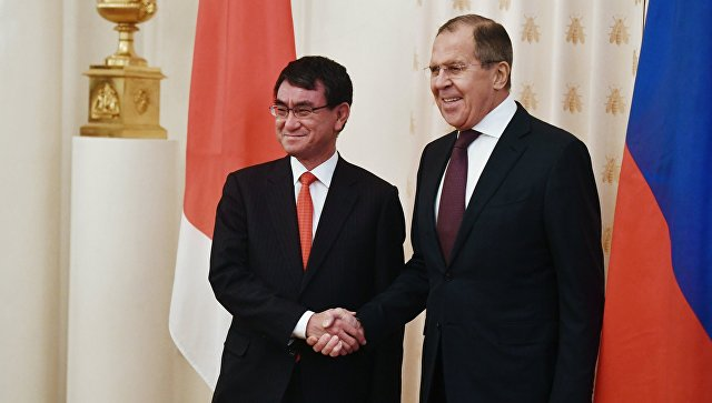 Лавров: Москва придаје посебан значај развоју односа са Токијом