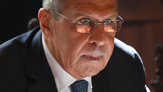 Лавров: Најгрубља злоупотреба долара од стране САД довешће до његовог слабљења