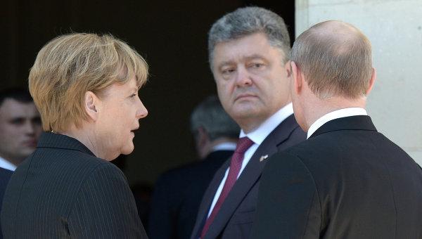 Песков: Све мање изгледа за контакте Путина са Порошенком
