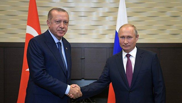 Путин: Односи између Русије и Турске се развијају енергично и позитивно
