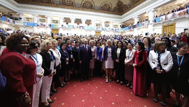 Путин: Важно сачувати вредности породице и материнства