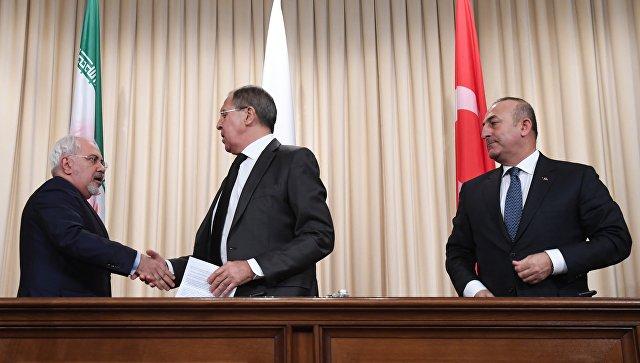 Лавров, Чавушоглу и Зариф разговарали о ситуацији у Сирији