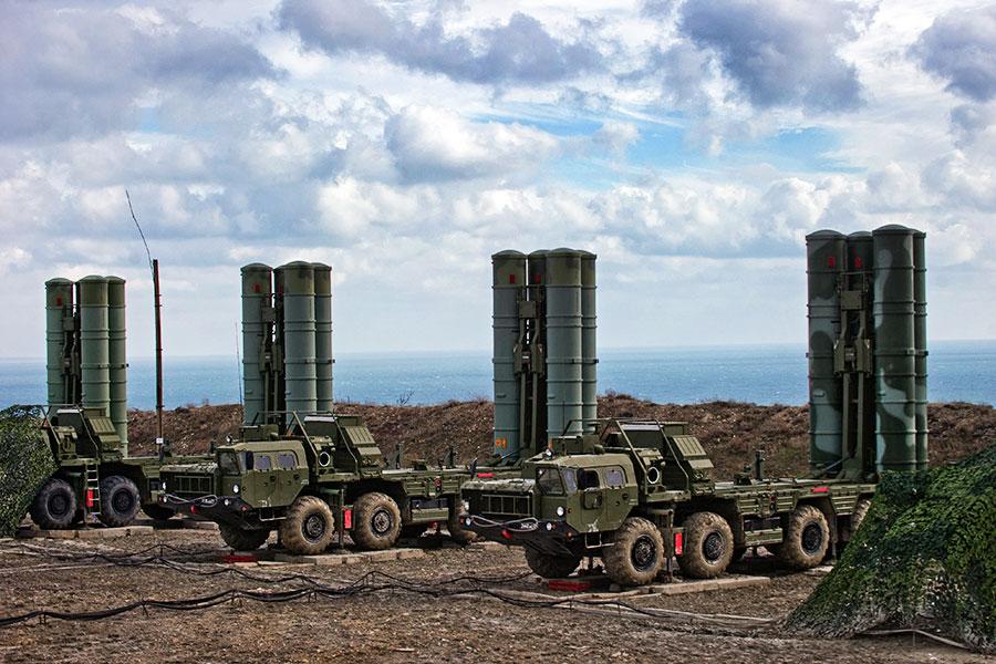 Лавров: Русија почела са испорукама ПВО система С-300 Сирији