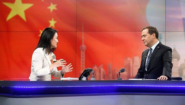 Медведев: САД увиде санкције да би угушиле конкуренцију