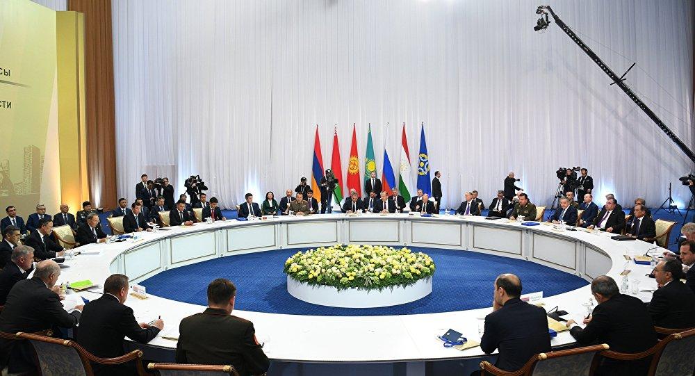 Песков: Путин обавестио колеге из ОДКБ-а о почетку дијалога представника Астанског формата