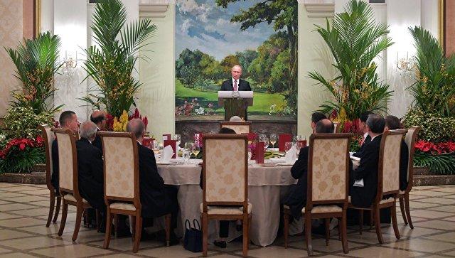 Putin: Moskva posvećuje veliku pažnju razvoju odnosa sa ASEAN-om