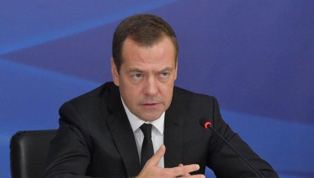 Медведев: Цео трговински систем угрожен због одлука појединих земаља