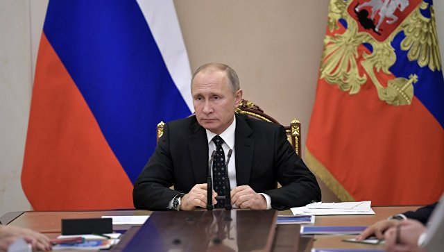 Putin: Oružane snage od početka godine dobile 74 aviona i helikoptera