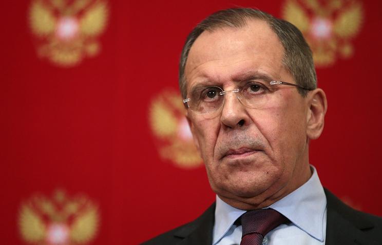 Lavrov: Sponzori ukrajinskih vlasti trebalo bi da upozore Kijev na posledice igre sa vatrom