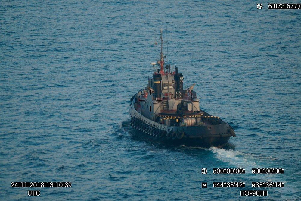 """""""Долазак нових украјинских војних бродова у Керчски мореуз мало је вероватан"""""""