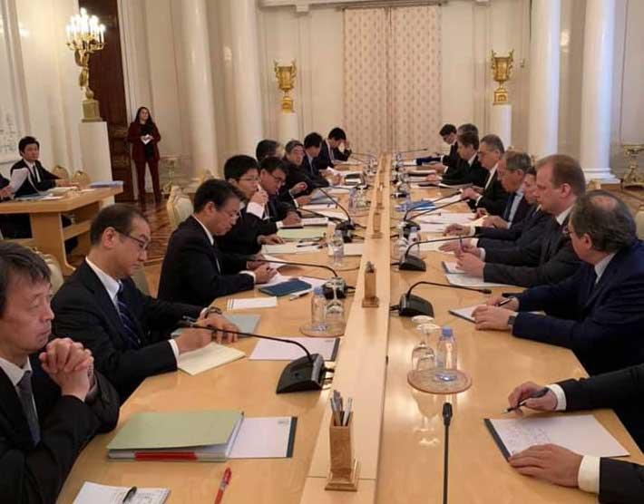 Русија и Јапан почели преговоре о мировном споразуму