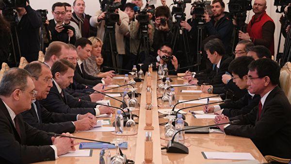Лавров: Русија не намерава да с Јапаном расправља о питању суверенитета над Курилским острвима