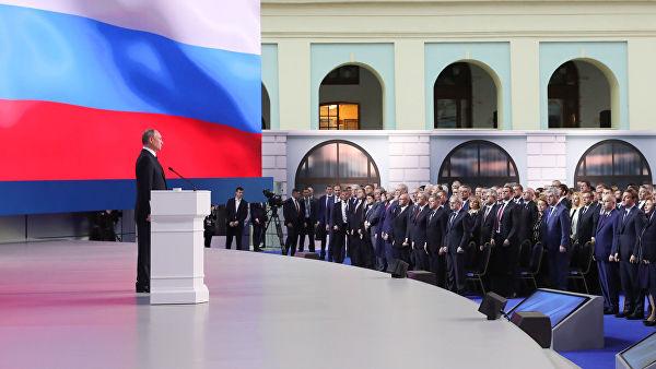 Путин: Морамо да стварамо дигиталне сегменте који ни од кога не зависе