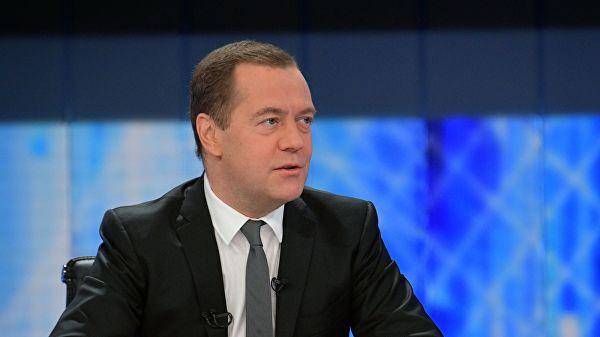 Медведев пожелео украјинским властима здрав разум и разумевање дубоких односа народа двеју држава