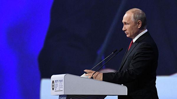 Путин: Зелеснки је добар глумац, али се за сада није политички испољио