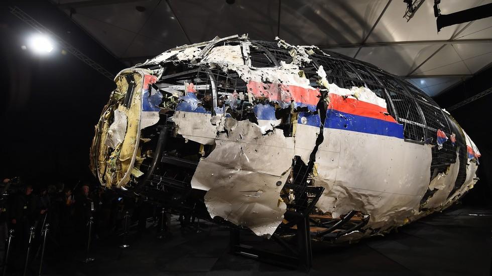 РТ: Жалимо због апсолутно неутемељених оптужби да је руска војска умешана у обарање малезијског авиона - москва
