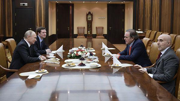 Путин: Изградња чак и више него пријатељских односа, савезничких, односа са Украјином је неизбежна