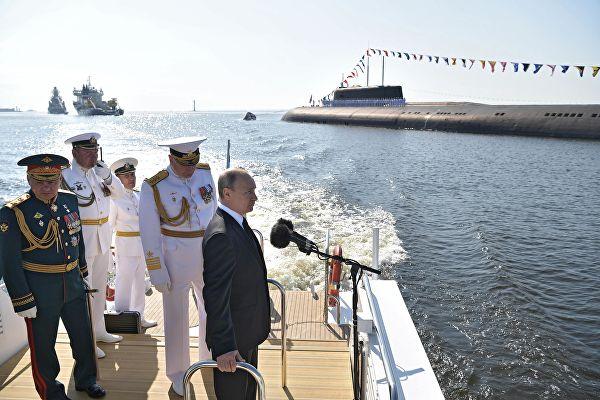 Путин: Ратна морнарица Русије користи најсавременију војну технику и може да пружи отпор сваком агресору