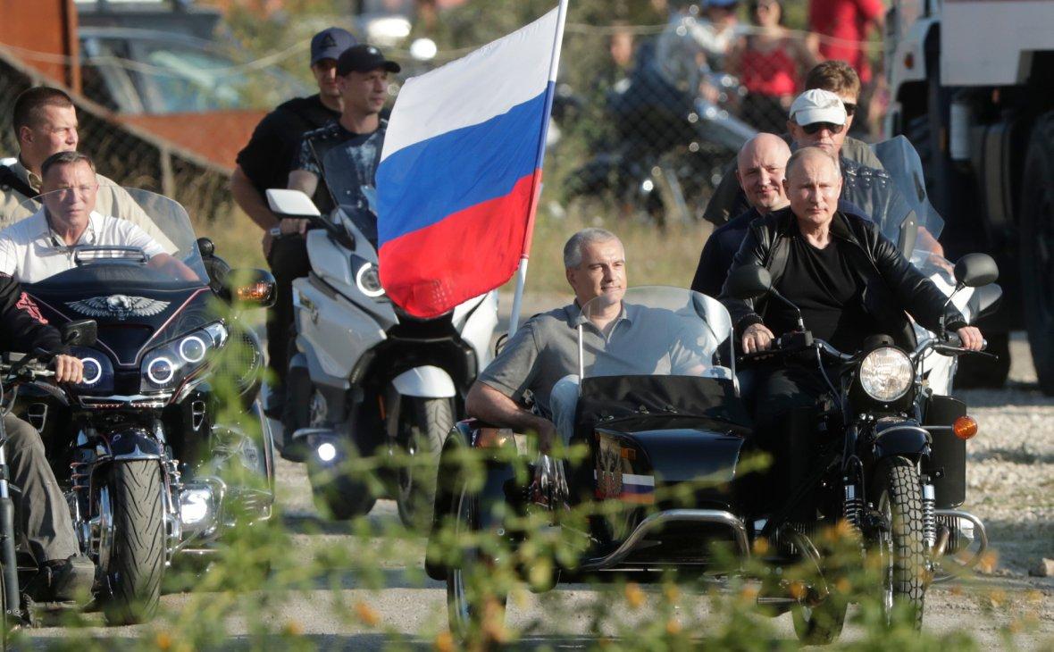 """Путин и Хирург отворили бајк шоу """"Сенка Вавилона"""""""