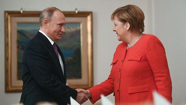 Putin i Merkelova razgovarali o bilaterlanim odnosima i međunarodnim pitanjima