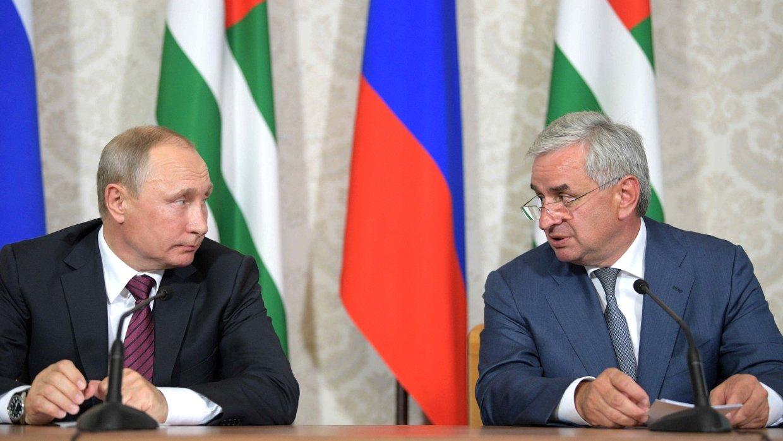Путин наложио да се потпише споразум о модернизацији оружаних снага Абхазије