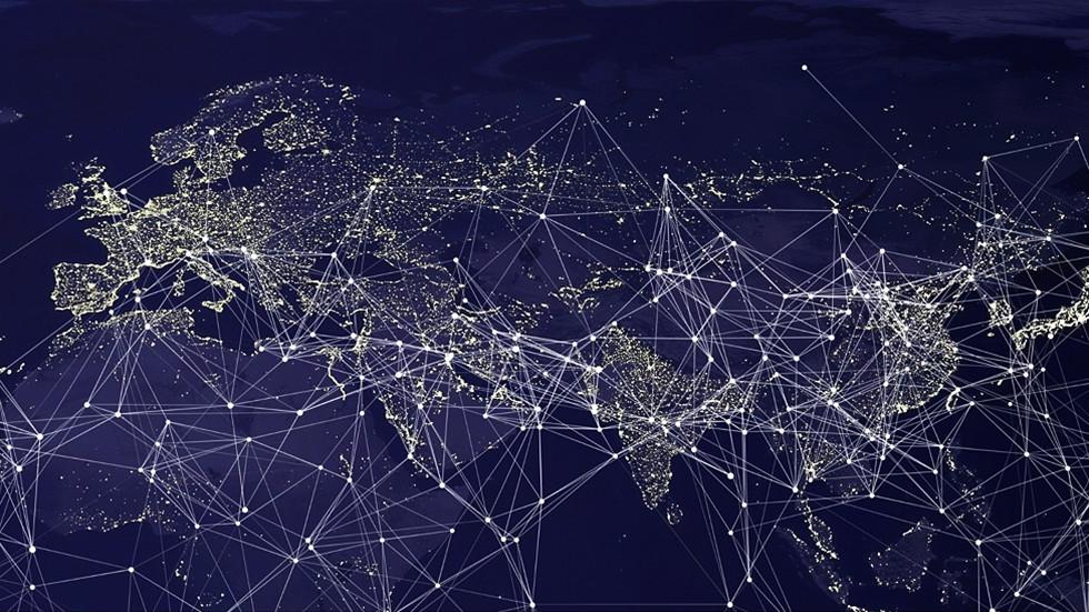 РТ: Русија спремна да остане на интернету иако је искључе са мреже