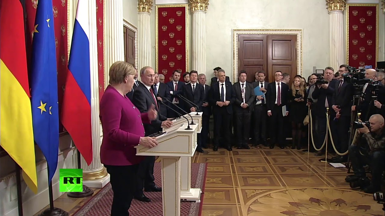 Путин упозорио да би ситуација у Либији могла негативно да утиче на целу Европу